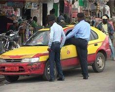 Cameroun Police.